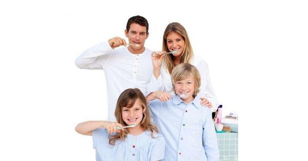 Cała rodzina w łazience
