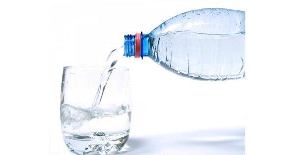 Jak zapobiegać zatrzymywaniu wody w organizmie?