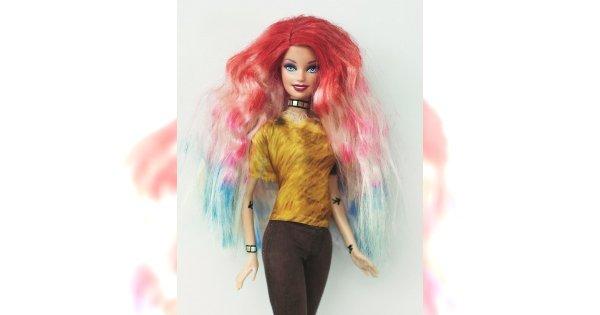Barbie stylistką włosów