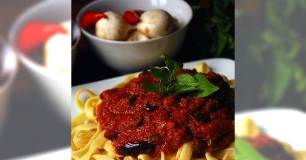 Tagliatelle z sosem pomidorowo-mięsnym