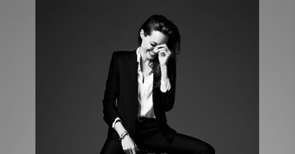 Piękna Angelina Jolie w obiektywie Hedi Slimane dla Elle US