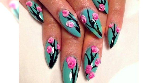 Kwieciste dłonie: wzorki na paznokcie kwiatki
