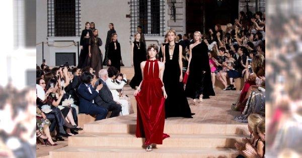 Valentino Haute Couture skopiowało Grę o Tron? Zobacz podobieństwa tych sukni!