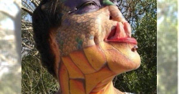 Pamiętacie DRAGON LADY, która obcięła uszy i nos, by wyglądać jak gad? Zobaczcie, jak wglądała przed przemianą