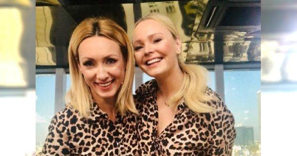 Anna Kalczyńska i Agnieszka Jastrzębska w TAKIEJ SAMEJ SUKIENCE z siecówki! Która wygląda lepiej?