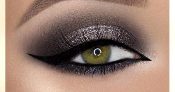 Makijaż na karnawał - zoom na oko. Podsuwamy pomysły na efektowny makijaż oczu