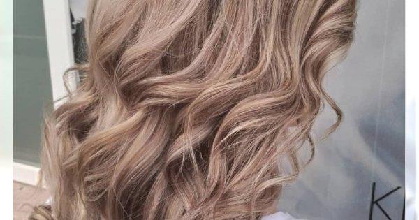 Naked hair - nowy modny kolor włosów 2019