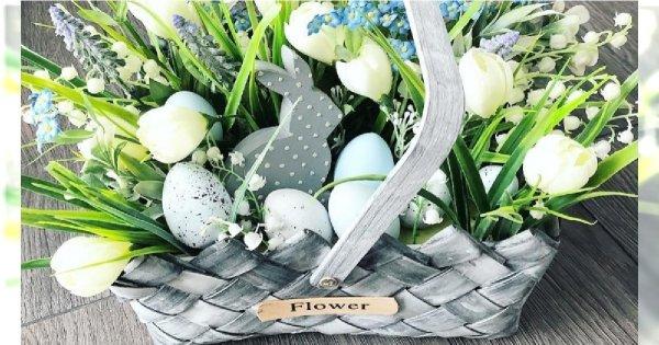 Stroik wielkanocny DIY - modne dekoracje na Wielkanoc z pisankami i kwiatami