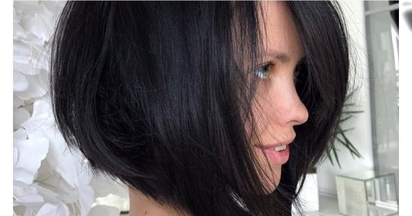 Fryzury średnie 2019 - najpiękniejsze cięcia włosów do ramion z grzywką, bob, wycieniowane