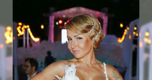 Blanka Lipińska w tajemnicy wzięła ślub. Właśnie pochwaliła się zdjęciami. Co za kreacja!