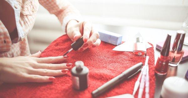To nie jest zwykły manicure. Te paznokcie to małe dzieła sztuki