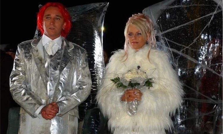 Michał Wiśniewski i Mandaryna 16 lat temu wzięli ślub! Pamiętacie ten jego słynny SREBRNY GARNITUR?!