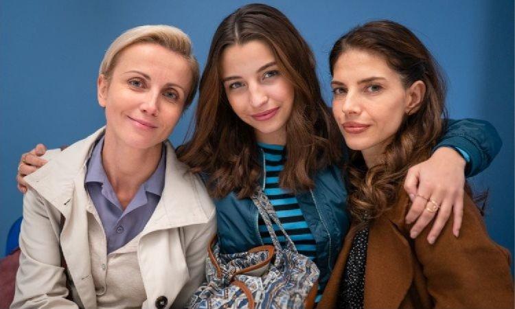 """Julia Wieniawa w najnowszym serialu """"Zawsze warto"""" zagra prostytutkę, a kim jest reszta bohaterów?"""