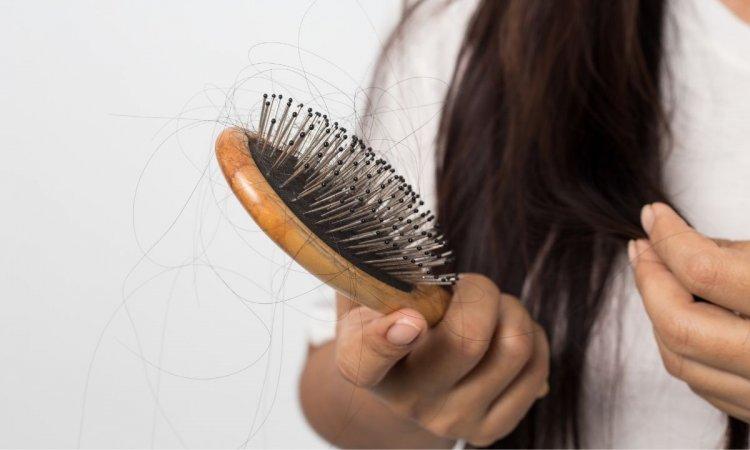 Wypadanie włosów: przyczyny, leczenie. Tabletki i szampon na wypadanie włosów