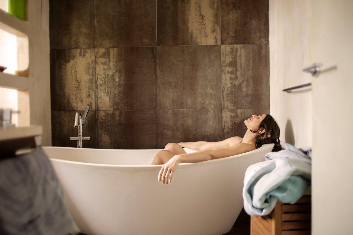 Jak zwalczyć cellulit - gorące kąpiele