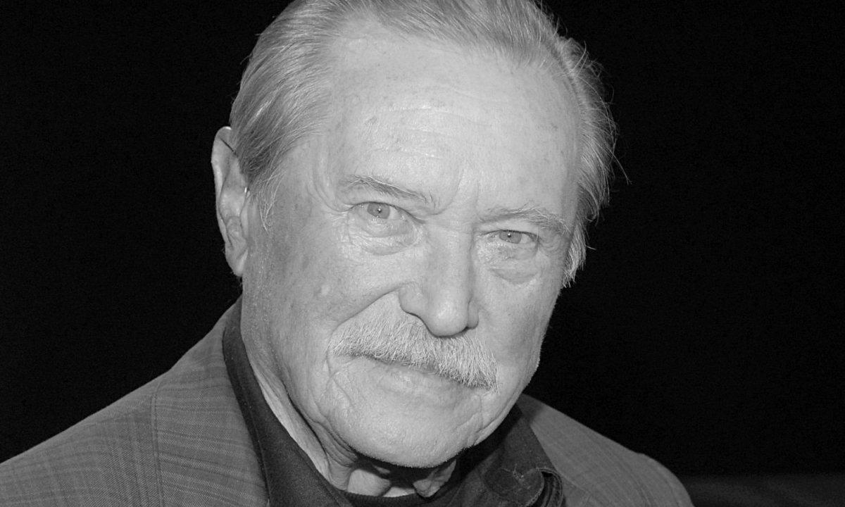 """Emil Karewicz nie żyje. Miał 97 lat. Odszedł legendarny Hermann Brunner ze """"Stawki większej niż życie"""""""