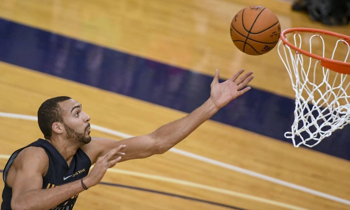 Koszykarz NBA zarażony koronawirusem. Wcześniej robił sobie żarty z epidemii