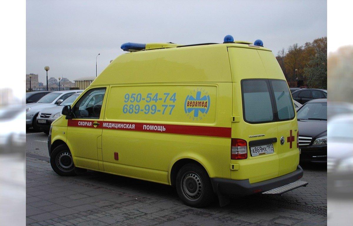W Moskwie karetki czekają godzinami przed szpitalami. Czy władze panują nad epidemią?