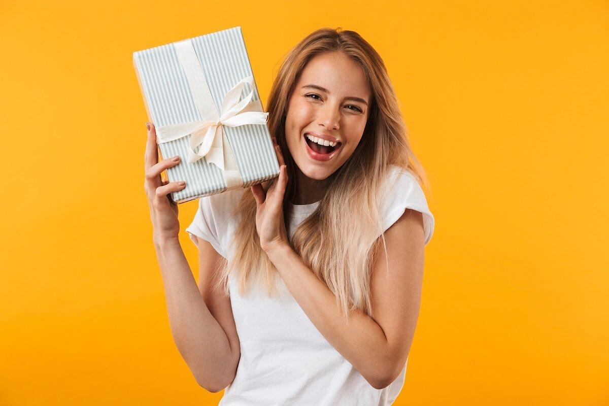 Stylowy prezent dla kobiety - co kupić dla Niej?