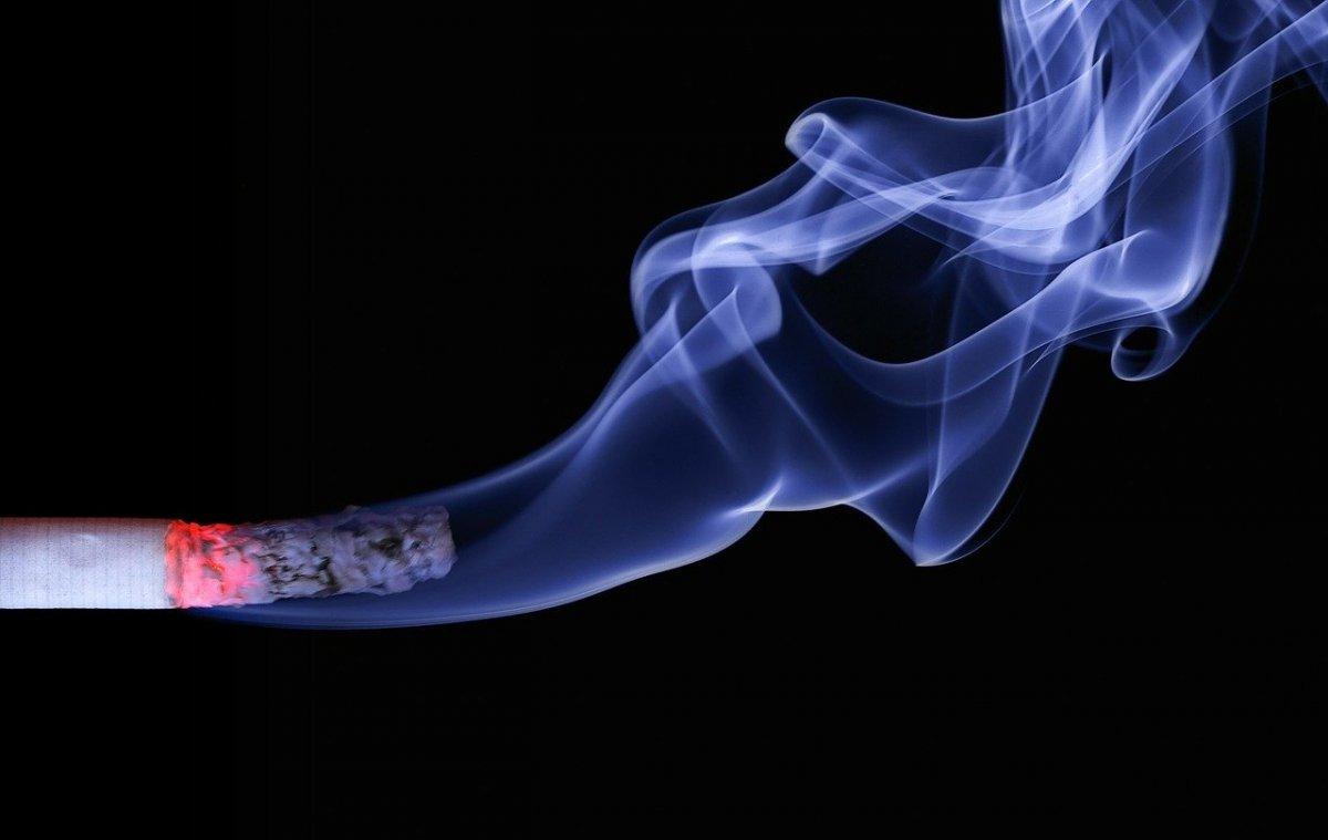 Palenie papierosów a zakażenie koronawirusem i COVID-19