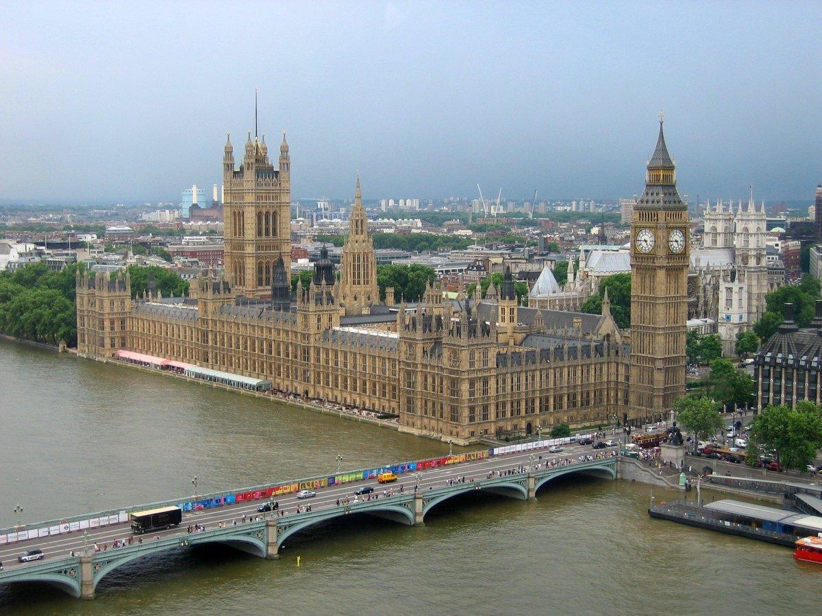 Wielka Brytania - epidemiolog: może być 100 tys. zgonów, jeśli za szybko zniesiemy restrykcje