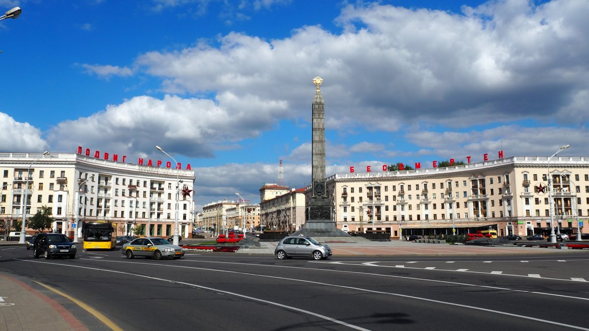 """""""Niektórzy szturchają nas w plecy"""" - Łukaszenka nie widzi potrzeby wprowadzania kwarantanny"""