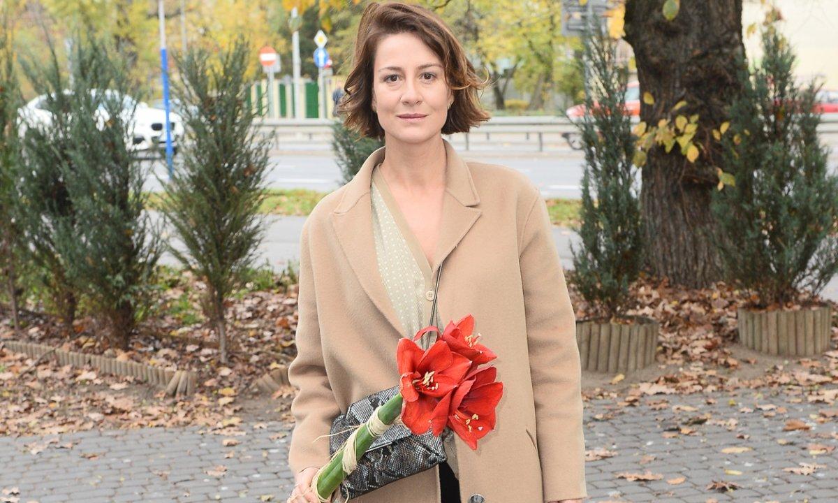 47-letnia Maja Ostaszewska bez makijażu dodała zdjęcie z partnerem z wakacji. Takie fotki to rzadkość!