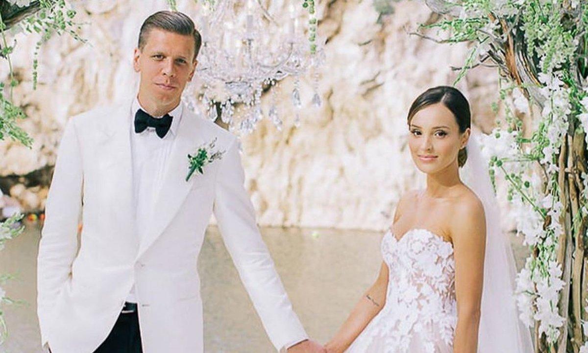 Wojciech Szczęsny i Marina Łuczenko obchodzili 4. rocznicę ślubu! Jej suknia ślubna kosztowała krocie!