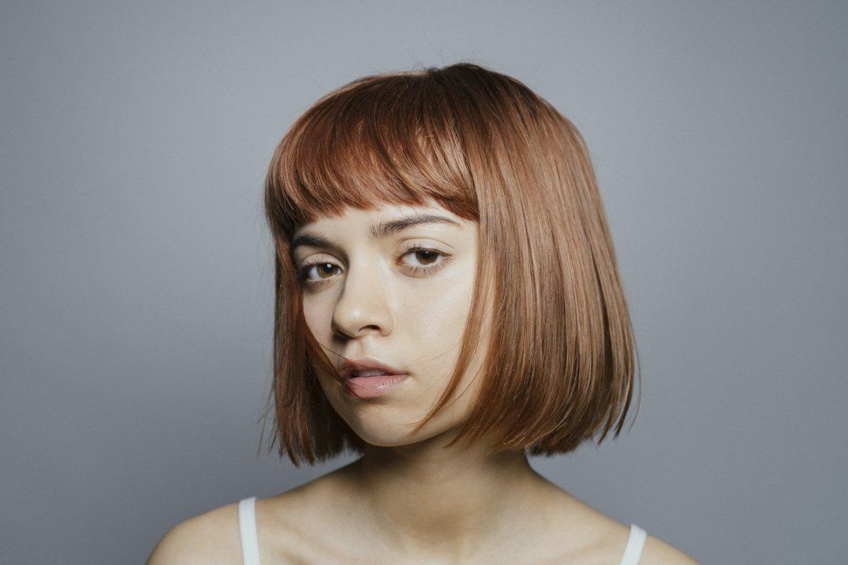 Krótkie fryzury damskie: bob z grzywką, najmodniejsze cięcia tego sezonu