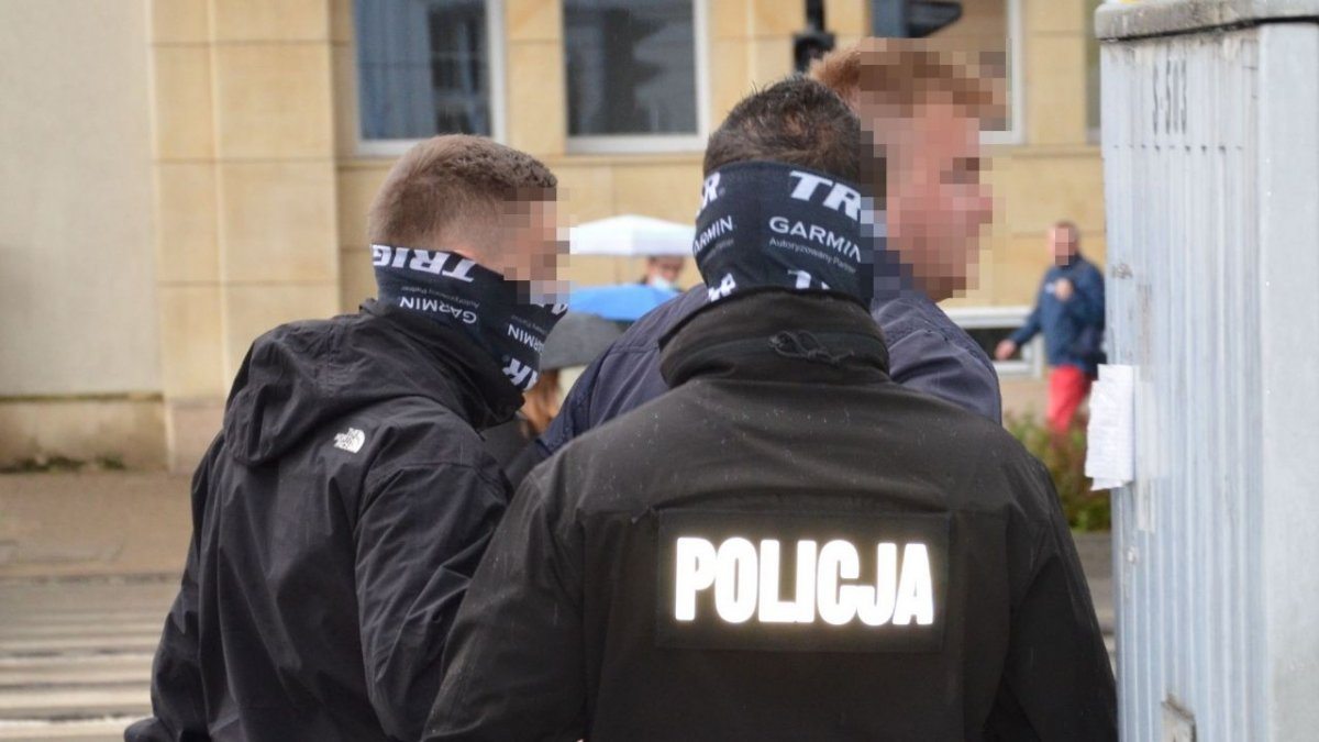 27-latek aresztowany za proponowanie seksu 14-latce. To znany muzyk disco polo