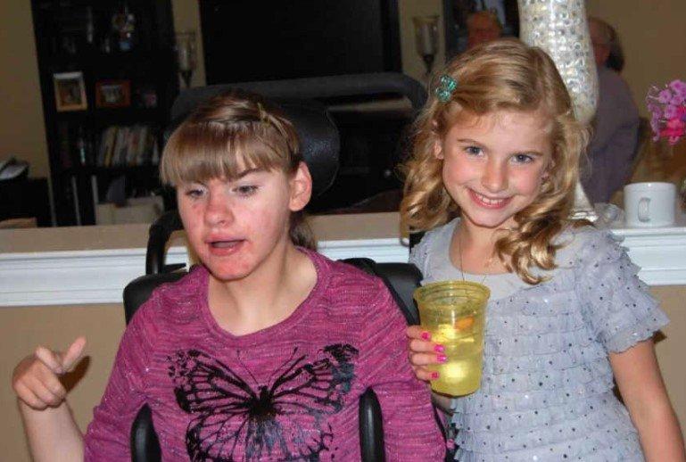 niepełnosprawna dziewczynka