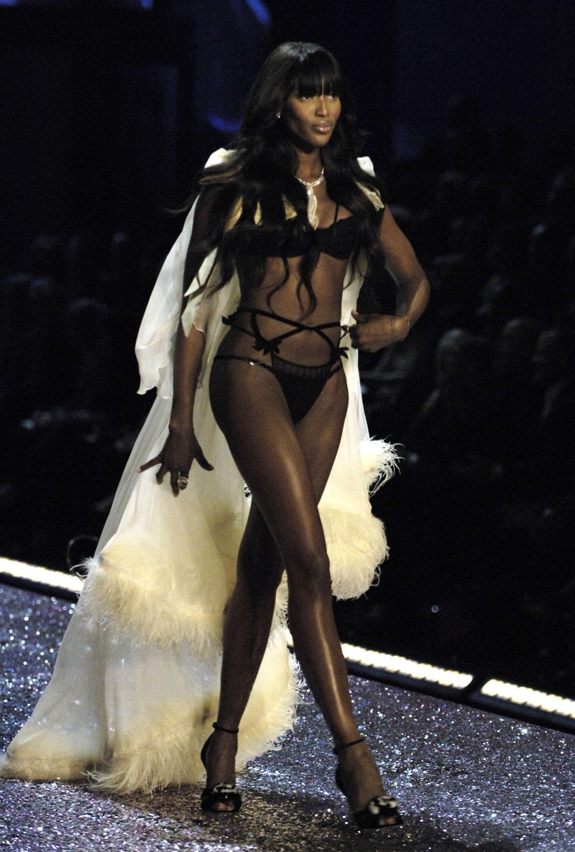 Pokaz Victoria's Secret 2005