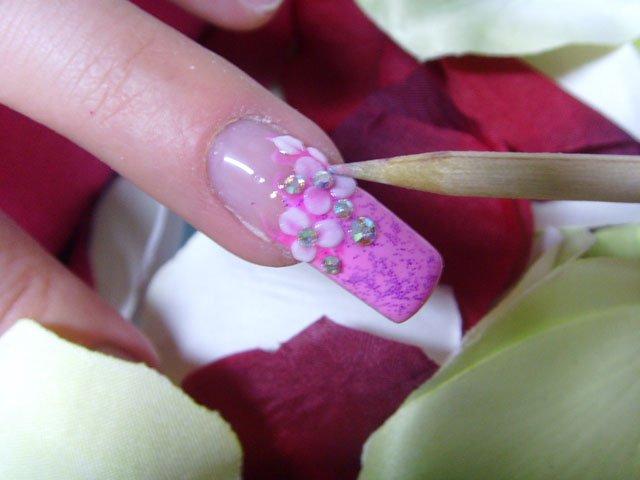 manicure różowe szaleństwo