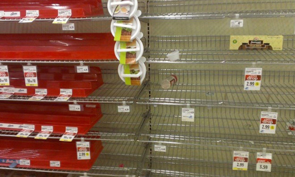 KORONAWIRUS sieje spustoszenie: sklepy wprowadzają limit na zakupy!