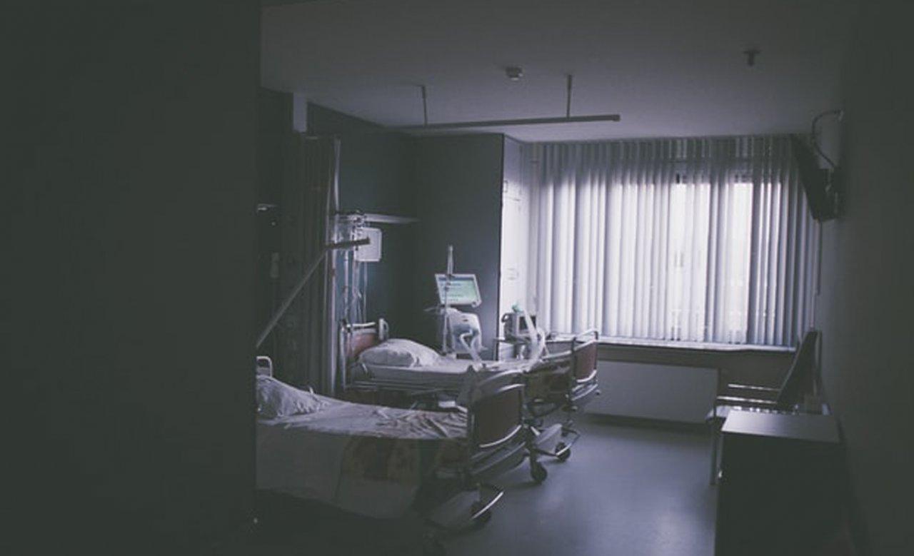 32-latek uznany za zmarłego nagle ocknął się w czasie balsamowania. Jak to możliwe?