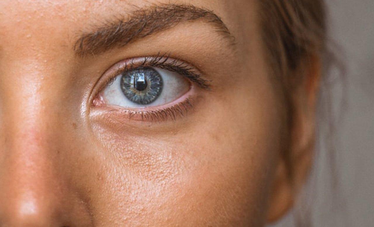 Odmładzający masaż twarzy w domu. Jak go poprawnie wykonać?