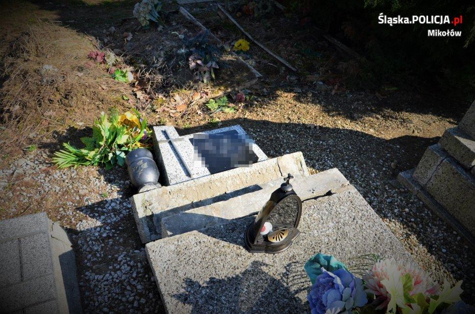 zniszczony nagrobek na cmentarzu