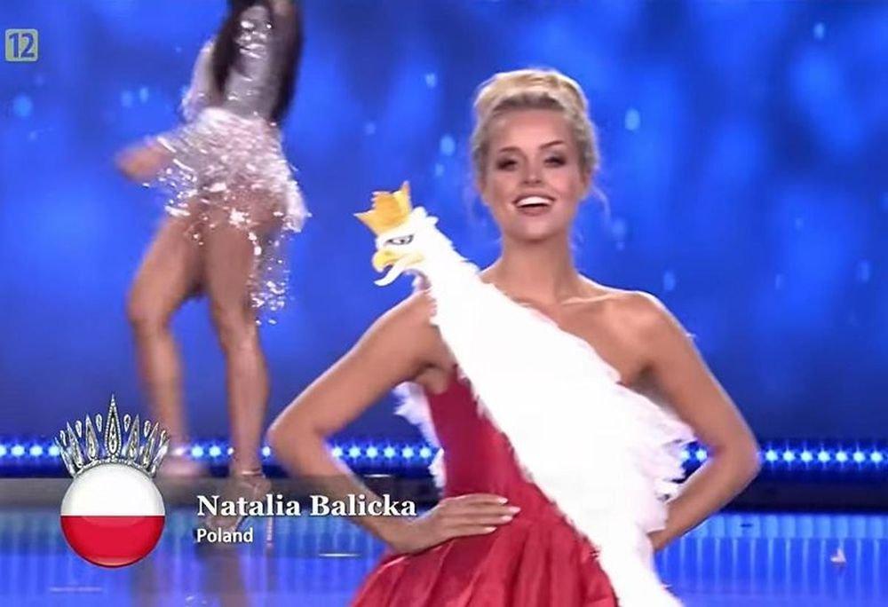 Natalia Balicka w sukni z orłem