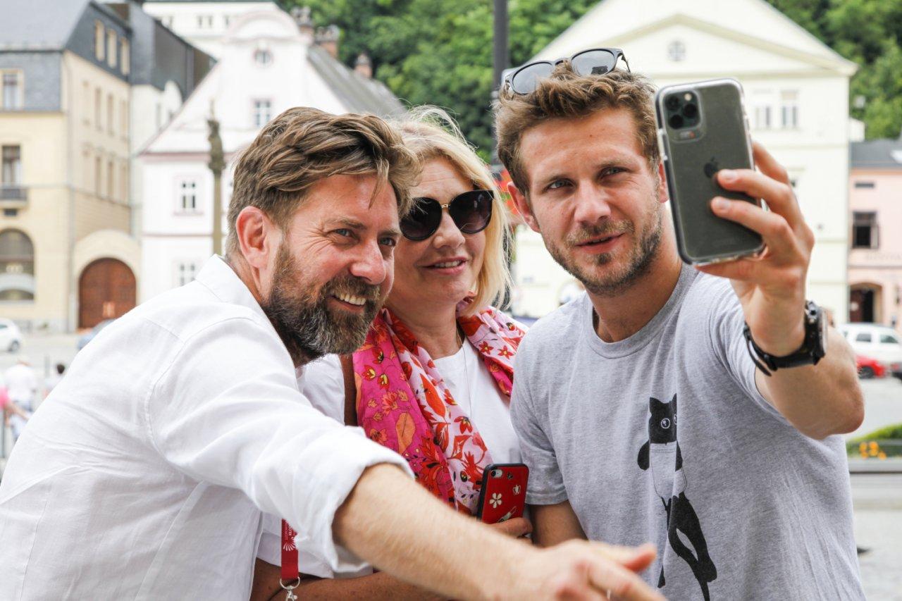 Antek Królikowski z wujkiem Rafałem Królikowskim i mamą Małgorzatą Ostrowską-Królikowską