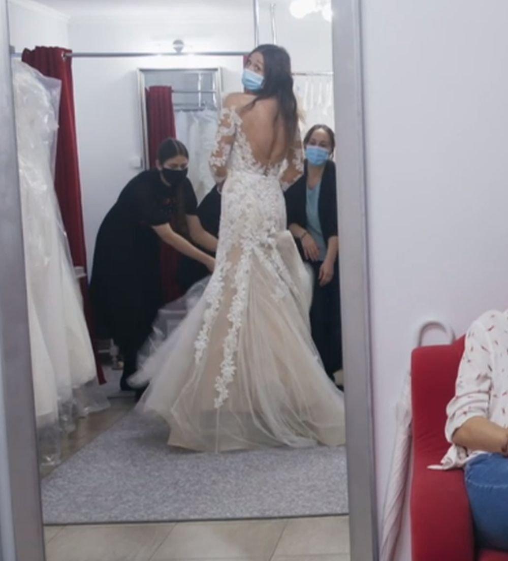 Aneta w sukni ślubnej