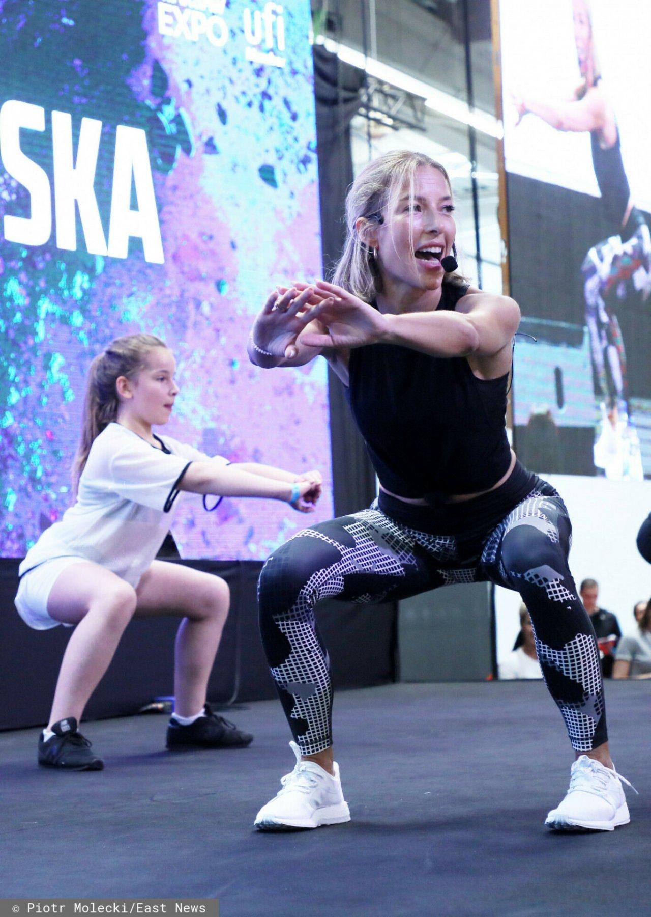 Ewa Chodakowska ćwiczy na Targach Go Active Show.