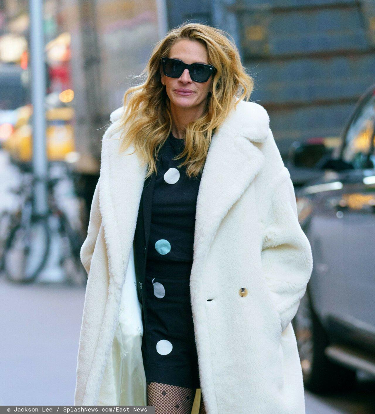 Julia Roberts w białym płaszczyku