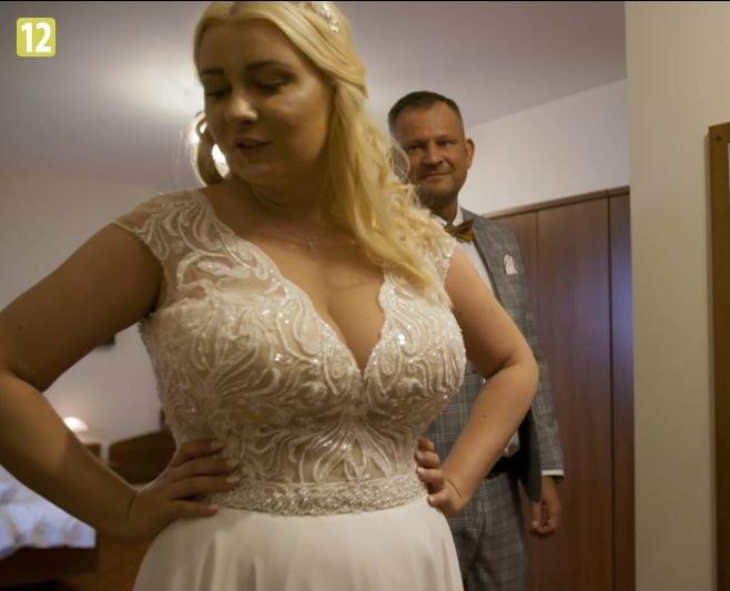 Julia w sukni ślubnej