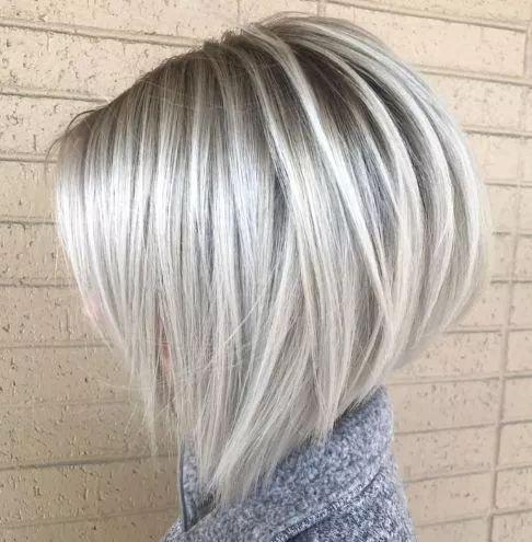 balejaż na popielatym blondzie