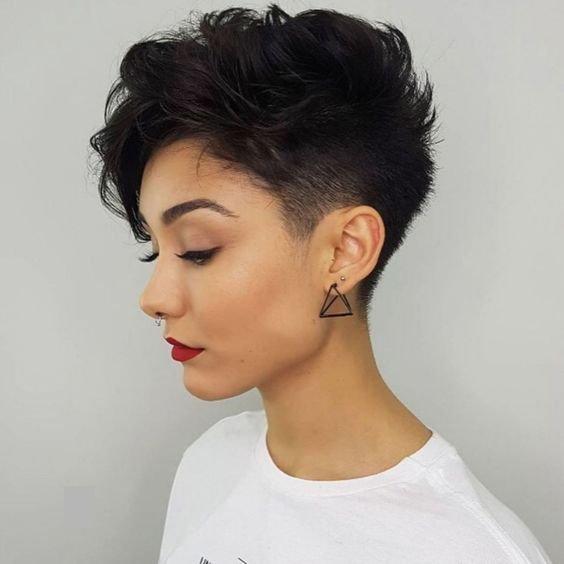krótka fryzura pixie cut