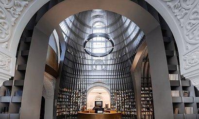 Zbudowali księgarnię w środku cerkwi. Minimalizm spotkał się z zabytkową architekturą