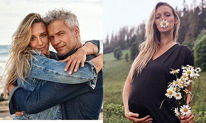 Żona Michała Żebrowskiego w zaawansowanej ciąży w bikini! Mąż zrobił jej...peeling stóp!