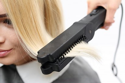 Wady i zalety keratynowego prostowania włosów