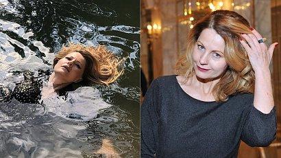 Wyzwolona Ewa Skibińska pływa w jeziorze całkiem nago. Fani są zachwyceni zdjęciami