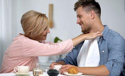 """""""Uczę syna, że to kobieta ma sprzątać, gotować i wychowywać dzieci. Mężczyzna nie musi tego robić"""""""